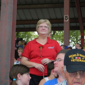 Veteran's and Responder Spouses Received Roses