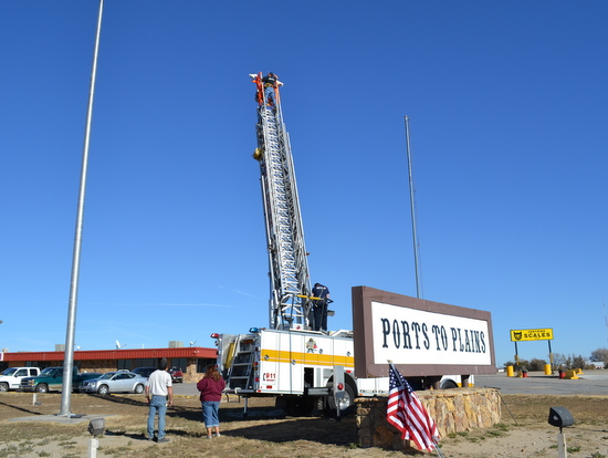 Truck Plaza Flag Replacement 2013 (1)