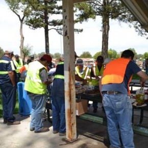 Clean Up Day Spring 2015 (7)