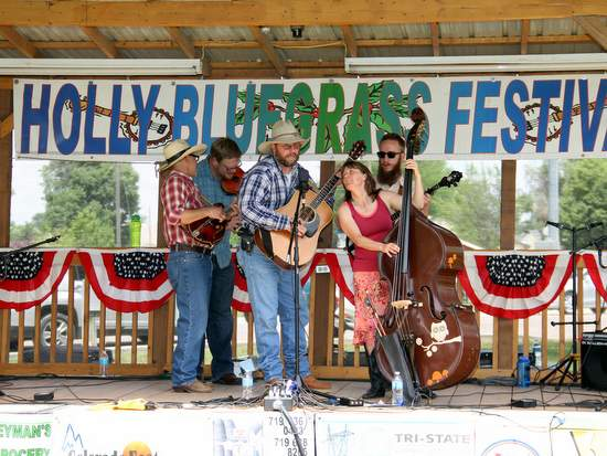 Entertaining the Crowds on Saturday with the WMD Bluegrass Band