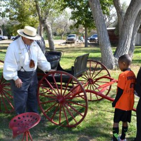 Pat Palmer Shows How to Build a Wagon Wheel